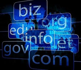 Milyen jogi védelemben részesül az internetes domain név?