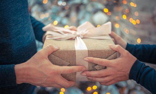 ajándékozás